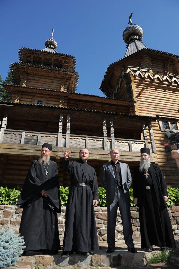 Prime Minister Vladimir Putin visits Valaam Monastery - Sputnik International