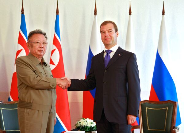Russian President Dmitry Medvedev is holding talks with reclusive North Korean leader Kim Jong-il in a closed military town in the south Siberian republic of Buryatia. - Sputnik International