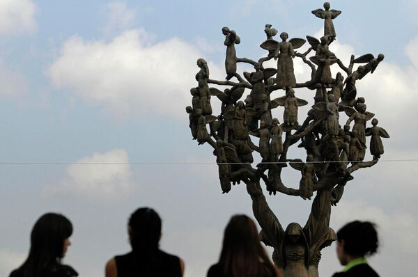 The Tree of Grief, a monument to the Beslan hostage tragedy - Sputnik International