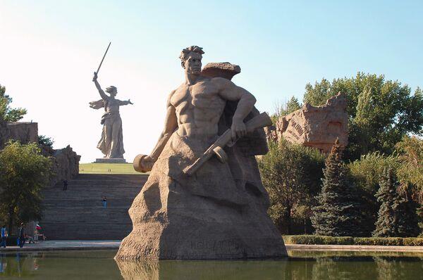 The Mamayev Kurgan memorial in Volgograd - Sputnik International
