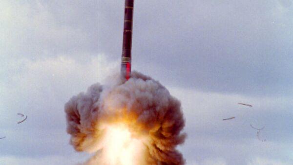Russia Tests-Fires Yars Ballistic Missile - Sputnik International