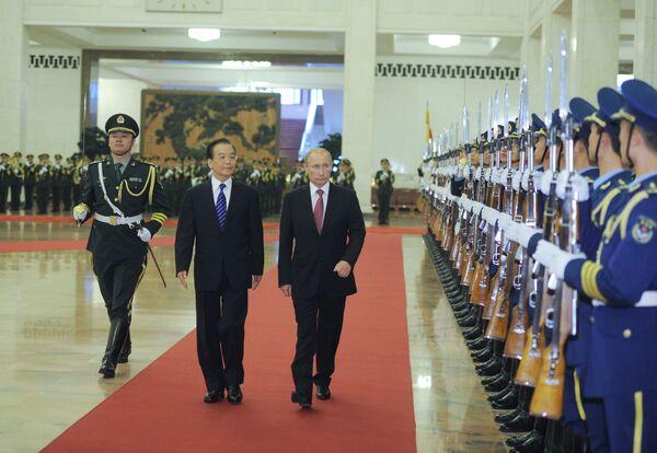 Vladimir Putin and Wen Jiabao - Sputnik International