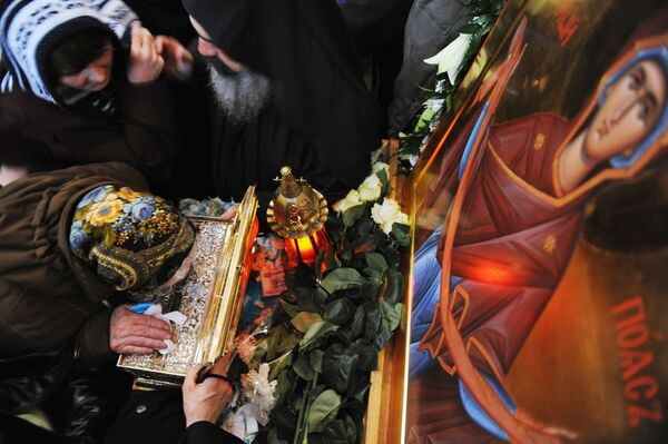 Service in celebration of the first-ever arrival of the Belt of the Mother of God in Russia - Sputnik International