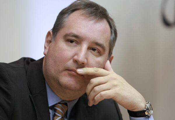 Russia's NATO envoy Dmitry Rogozin - Sputnik International
