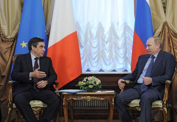 Vladimir Putin and Francois Fillon - Sputnik International