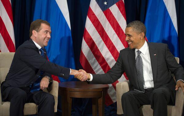 Dmitry Medvedev and Barack Obama - Sputnik International