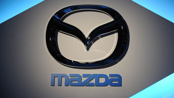 Mazda Corporation is recalling some 80,000 cars in US in connection with possibly defected air bags. - Sputnik International