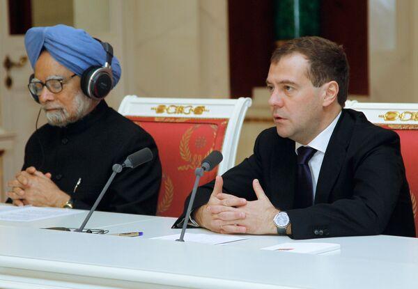 Indian Prime Minister Manmohan Singh and Russian President Dmitry Medvedev - Sputnik International