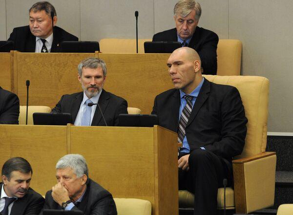 Nikolai Valuev at the first meeting of Sixth Duma - Sputnik International