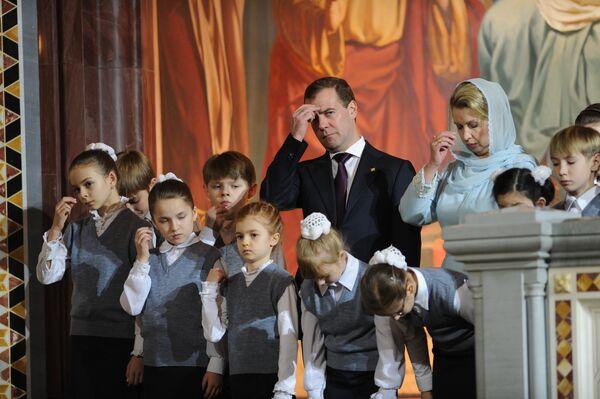Russian leaders wish a happy Orthodox Christmas         - Sputnik International
