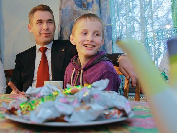 U.S. Mom Who Sent Boy to Russia Sued for Child Support - Sputnik International