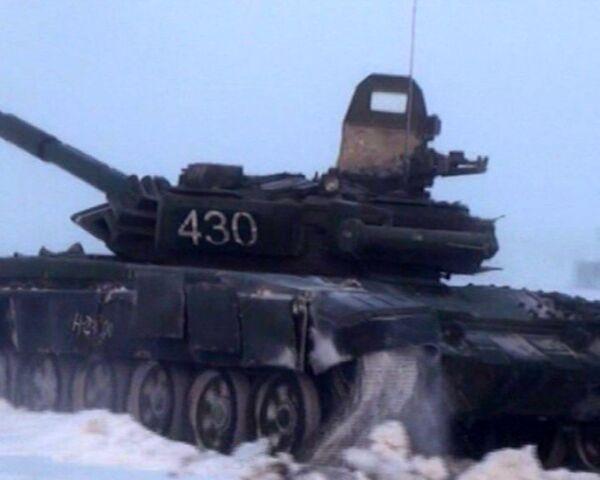 Tank crews train under near-zero visibility conditions  - Sputnik International