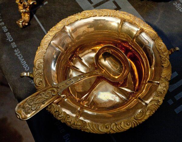 Pre-Revolutionary Treausre Found in St. Pete Mansion    - Sputnik International