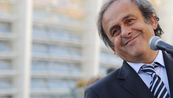 """Michel Platini, the incumbent UEFA president, has restated his idea to introduce the so-called """"white card"""" and has proposed to make offside rules more understandable, during the Dubai International Sports Conference, Goal.com reports. - Sputnik International"""