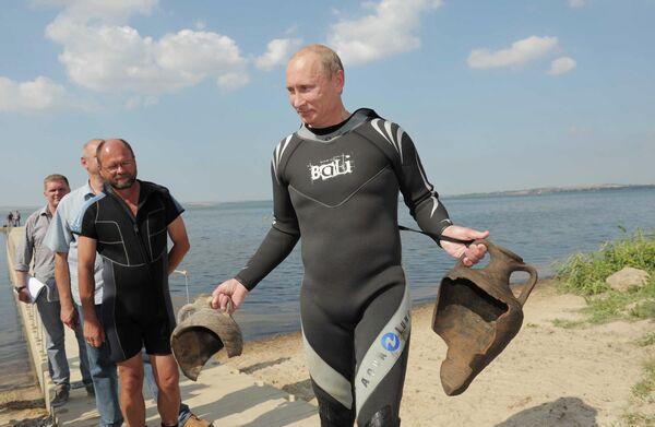 Premier Vladimir Putin's 10 Premieres - Sputnik International