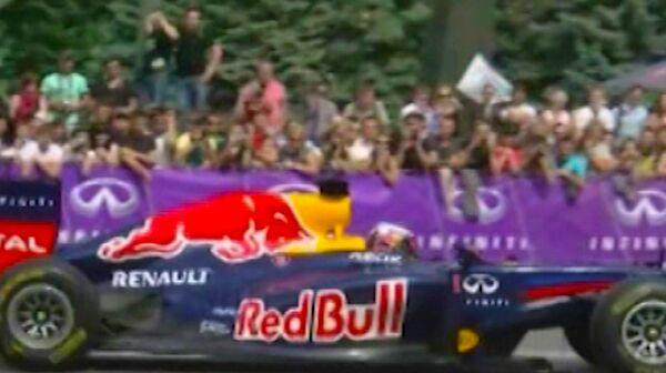 Formula One Car Squeals through Kiev   - Sputnik International