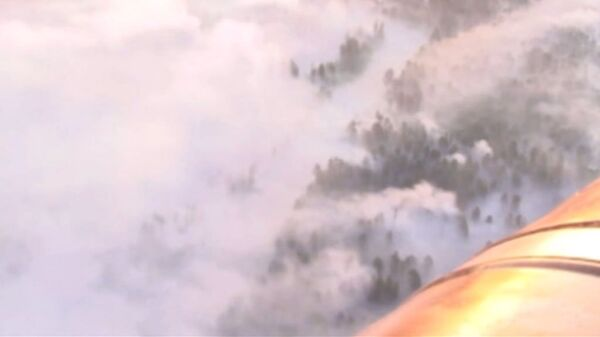Helicopters Help Firefighters at Arms Depot Blast Site - Sputnik International