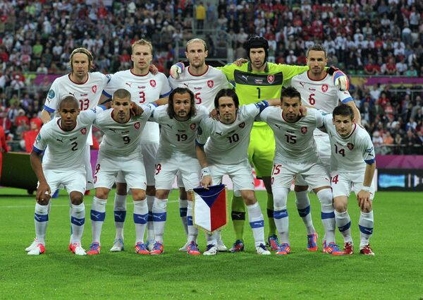 Czechs proceed into the quarterfinals after Group A leader Russia were stunned 1-0 by Greece - Sputnik International