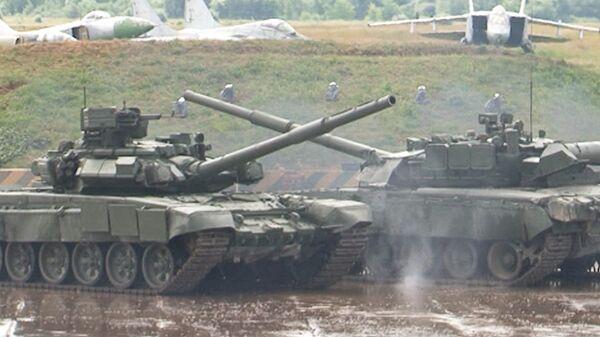 Tanks Perform Crash-Bang Stunts Outside Moscow - Sputnik International