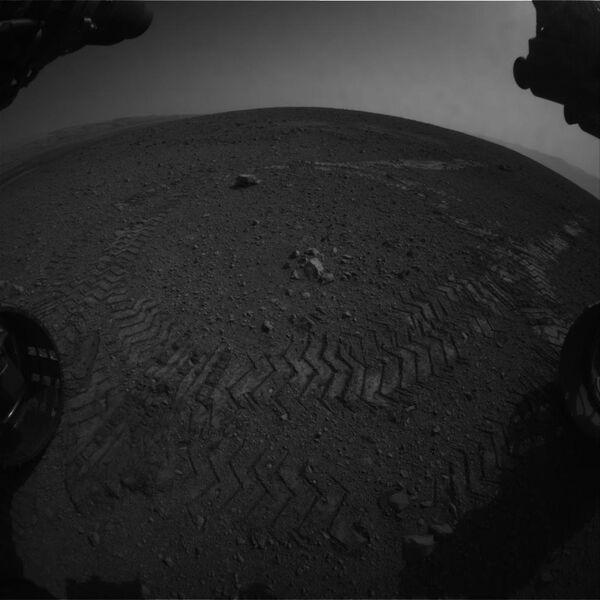NASA's Curiosity Makes First Test Drive on Mars          - Sputnik International