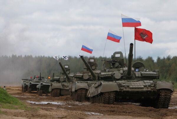 Russia Challenges US in Tank Biathlon - Sputnik International