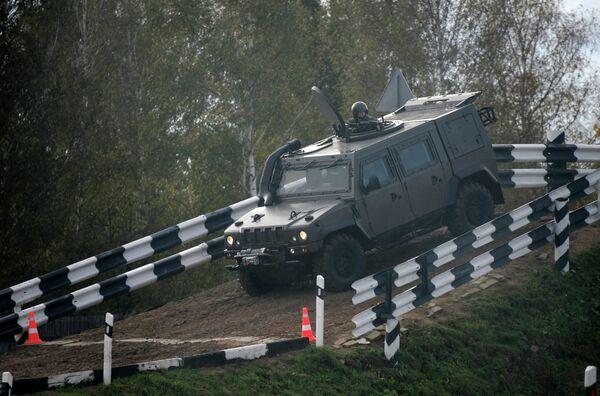 Iveco LMV M65 Lynx armored vehicle - Sputnik International