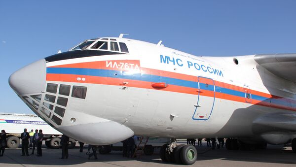 A Russian Emergencies Ministry's Il-76 plane - Sputnik International