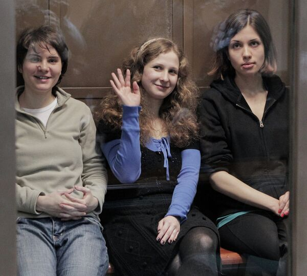 Ekaterina Samutsevich, Maria Alyokhina, Nadezhda Tolokonnikova  - Sputnik International