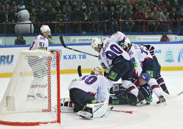 KHL: Leader Sibir Stunned by Metallurg Novokuznetsk - Sputnik International