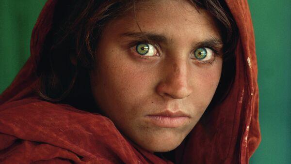 Steve McCurry (B. 1950). Afghan Girl - Sputnik International