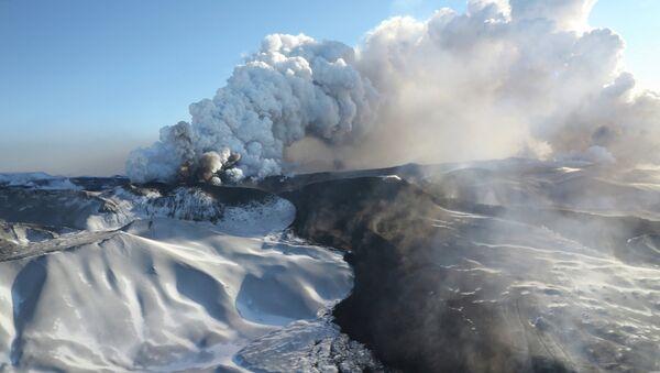 Volcanic Eruption on Kamchatka Peninsula - Sputnik International