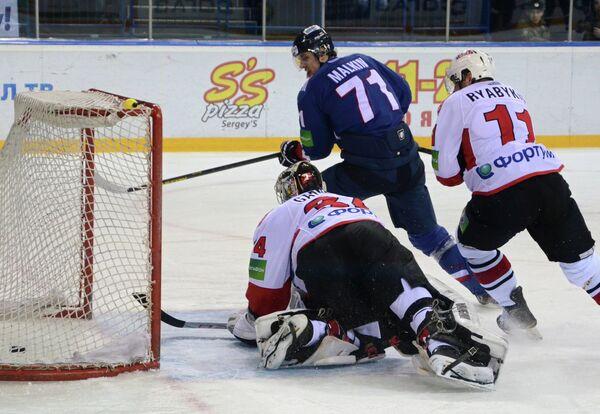 Malkin Hat-Trick Stalls Traktor in KHL         - Sputnik International