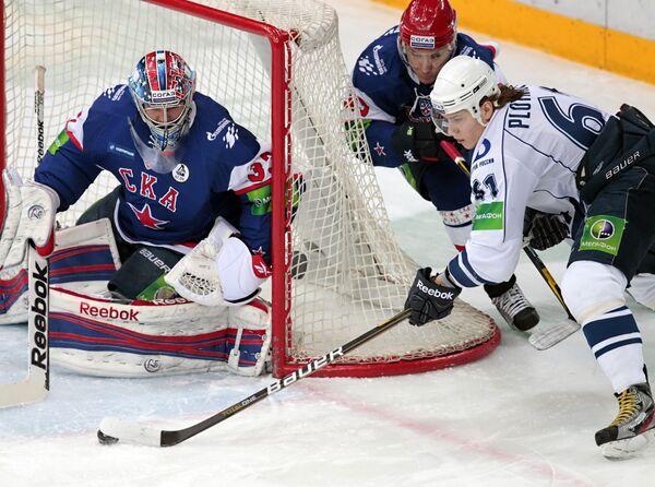 KHL: Amur Defeats Dinamo Riga - Sputnik International