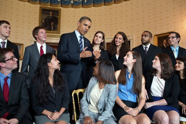 US President Barack Obama meets with students in the Blue Room of the White House (file photo) - Sputnik International