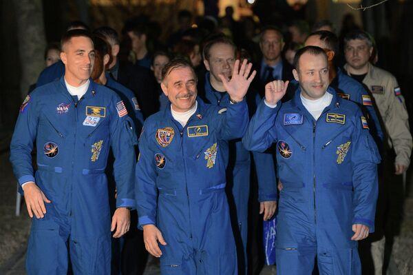 Christopher Cassidy, Pavel Vinogradov and Alexander Misurkin - Sputnik International