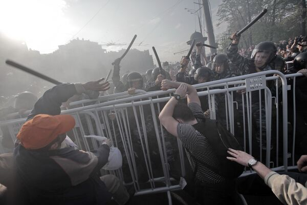 The mass riots took place at a Moscow protest rally on the eve of Vladimir Putin's inauguration last May (archive) - Sputnik International