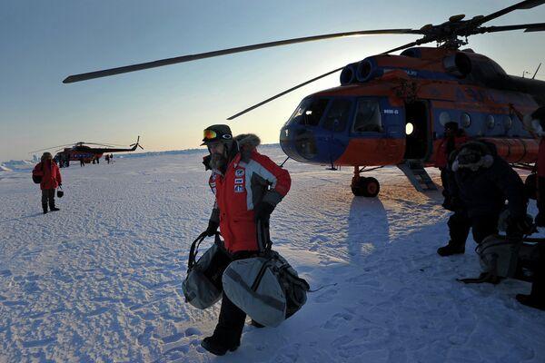 Thousands of Kilometers on Dog Sleds: Konyukhov's New Expedition - Sputnik International