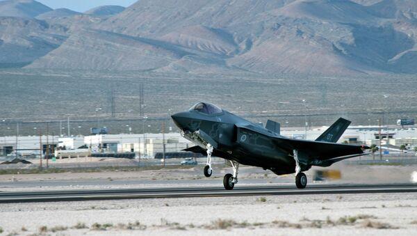 An F-35 Lightning II lands Wednesday, March 6, 2013, at Nellis Air Force Base, United States - Sputnik International