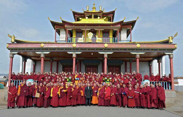 Vladimir Putin Visit Russia's Main Buddhist Temple - Sputnik International