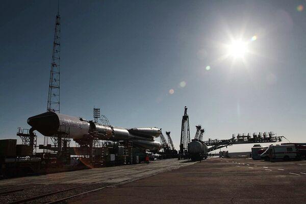 A Soyuz-U rocket carrying a Progress M-19M cargo spacecraft (archive) - Sputnik International