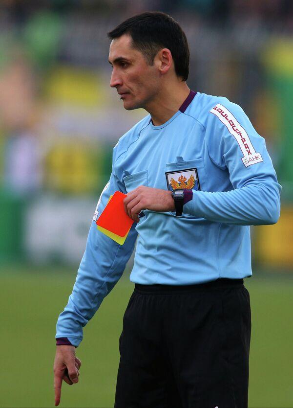 Footballer Attacked by Linesman Gets 4-Game Ban - Sputnik International