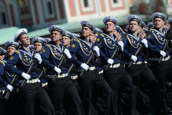 Russian Military Colleges to Graduate 12,000 Officers in 2013 - Sputnik International