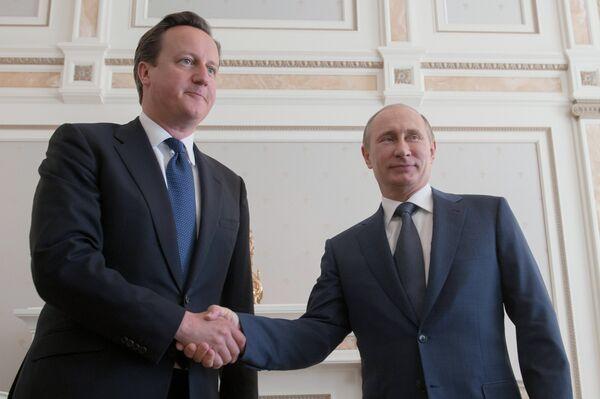 David Cameron and Vladimir Putin (archive) - Sputnik International