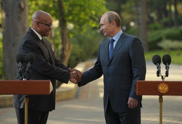 Russian President Vladimir Putin with South African President Jacob Zuma - Sputnik International