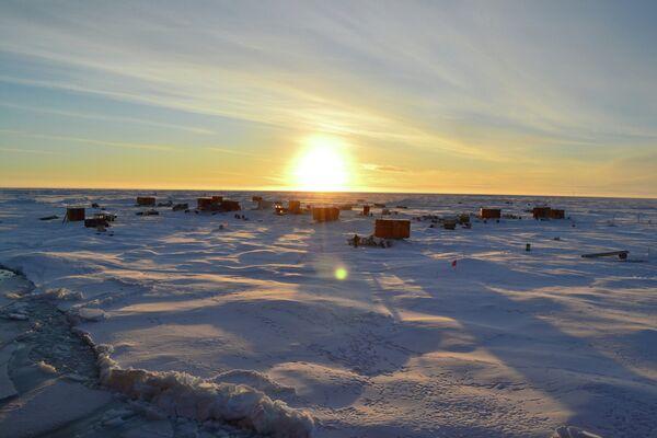 Russian North Pole 40 (SP-40) drifting polar research station - Sputnik International