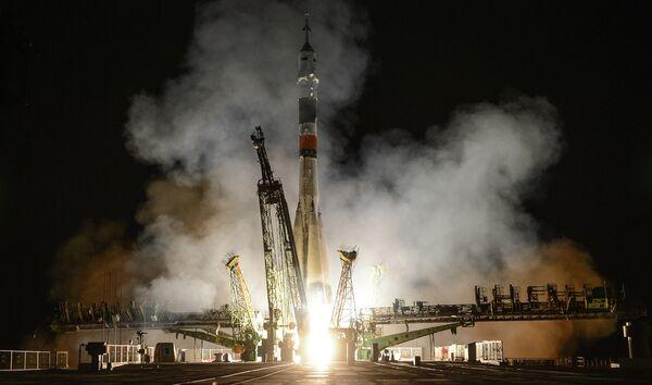 The Soyuz-FG carrier rocket with the Soyuz TMA-09M spacecraft - Sputnik International