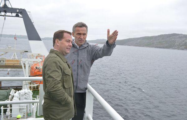Medvedev Says 'No Loss' to Norway in Maritime Delimitation Deal - Sputnik International
