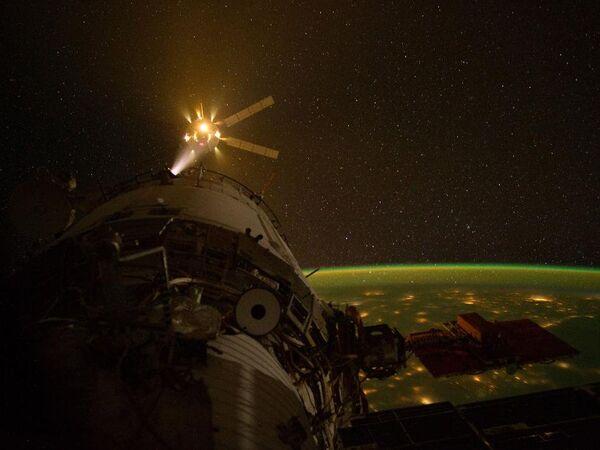 An ATV spacecraft approaching the International Space Station for docking (File photo) - Sputnik International