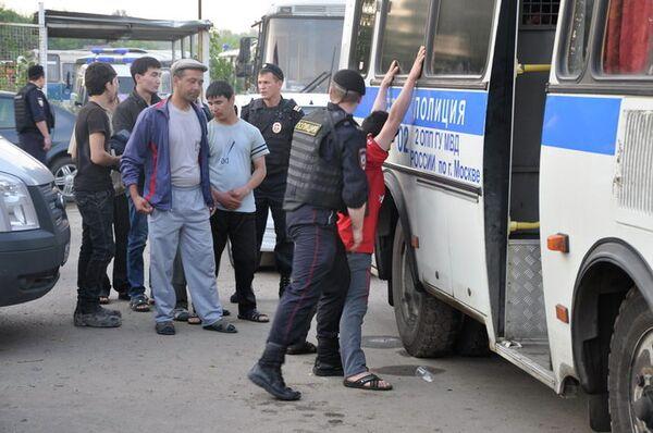 2,500 Detained As Sobyanin Calls For Tighter Migration Rules - Sputnik International