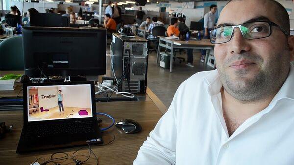 Vagan Martirosyan, CEO of Dressformer, one of four startups in this year's MassChallenge in Boston. - Sputnik International